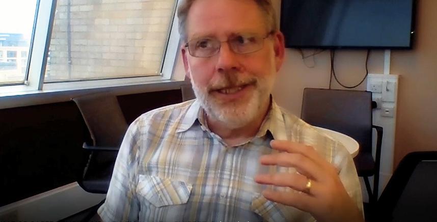 Entrevista a Martin Dockrell, líder del programa antitabaco de la Sanidad Pública del Reino Unido